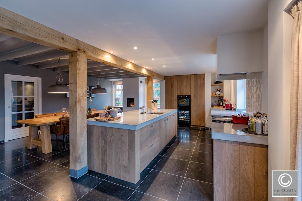 Keuken in moderne woonboerderij • Van der Cruijsen Interieurbouw