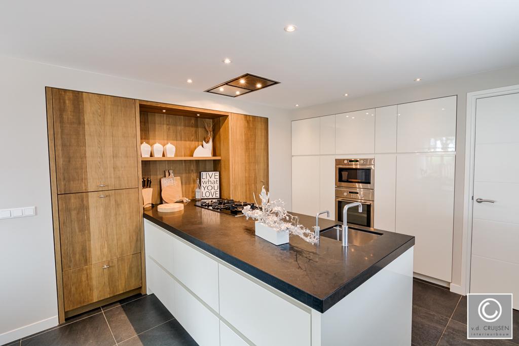 Keuken Wandkast 8 : Moderne keuken en badkamer in uden u van der cruijsen interieurbouw